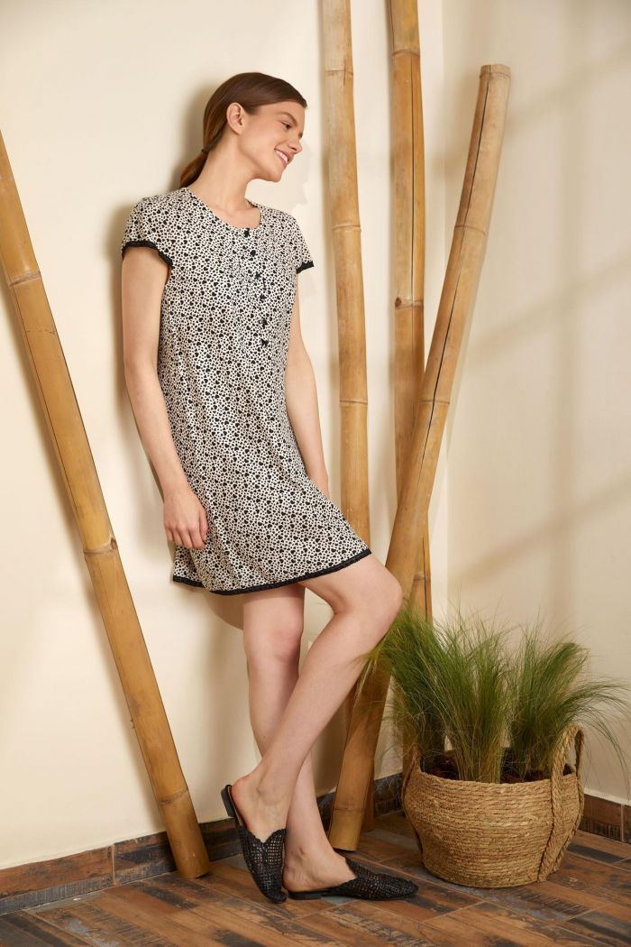 Printed Nightgown with Buttons